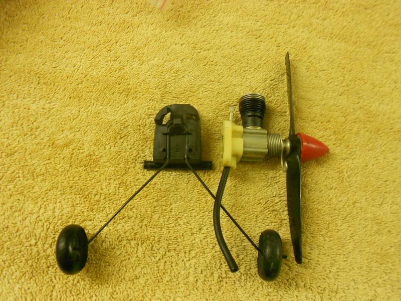 For Sale: Cox Tee Dee engines.  020, 049, 051 . Rat Race 049 reed valve - Norvell 061 Cox_0413