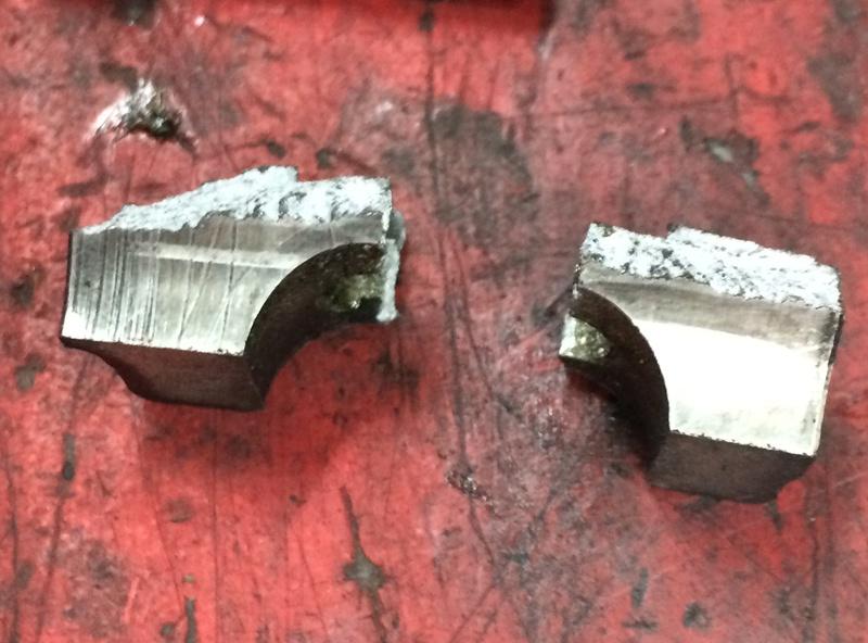 /!\ Casse bas de fourche au changement de pneus !? Img_0011