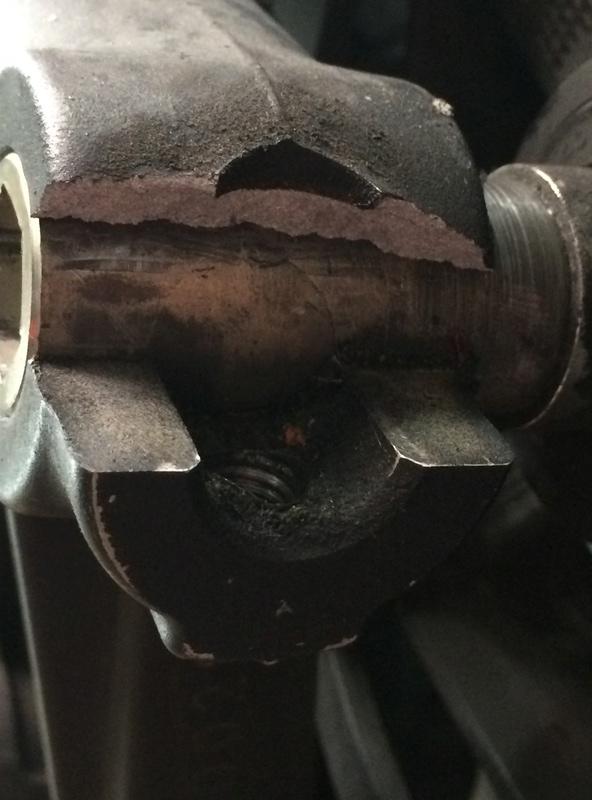 /!\ Casse bas de fourche au changement de pneus !? Img_0012