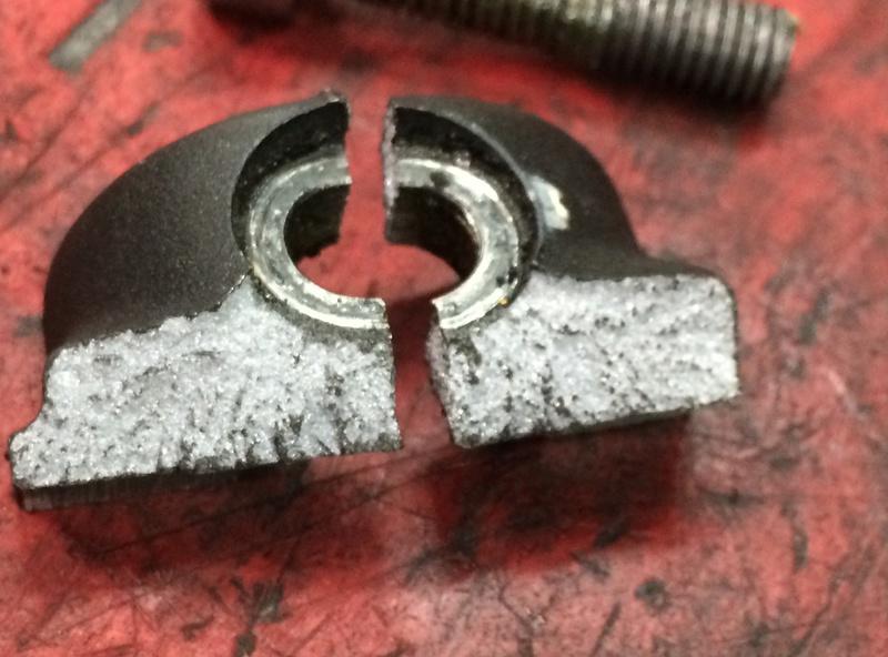 /!\ Casse bas de fourche au changement de pneus !? Img_0014