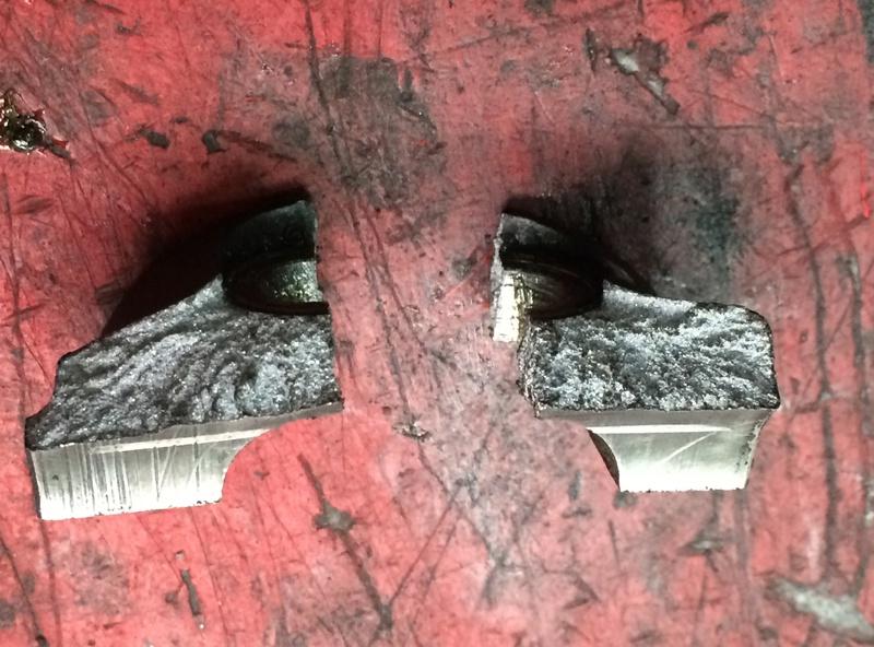 /!\ Casse bas de fourche au changement de pneus !? Img_0016