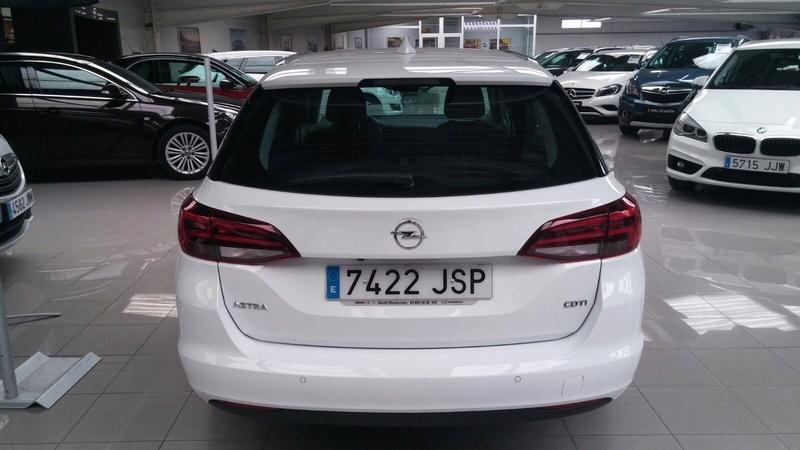 Presentación Astra ST k excellence 1.6 136cv auto blanco Img_1816