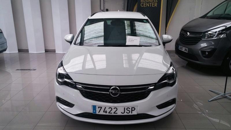 Presentación Astra ST k excellence 1.6 136cv auto blanco Img_1817