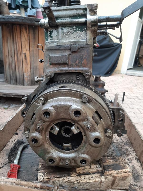 moteur - SOMECA SOM25E - Moteur et radiateur 20200313