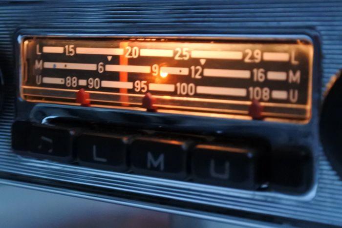 Nouvel autoradio - planche de bord et branchement MP3 Blaupu10