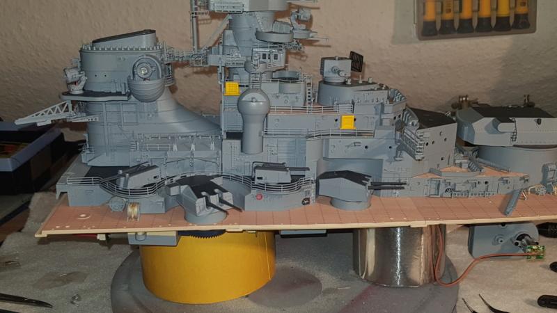 Multifunktions Modell von Hachette: Die Bismarck in 1/200  Baupha39