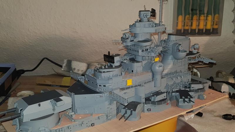 Multifunktions Modell von Hachette: Die Bismarck in 1/200  Baupha41