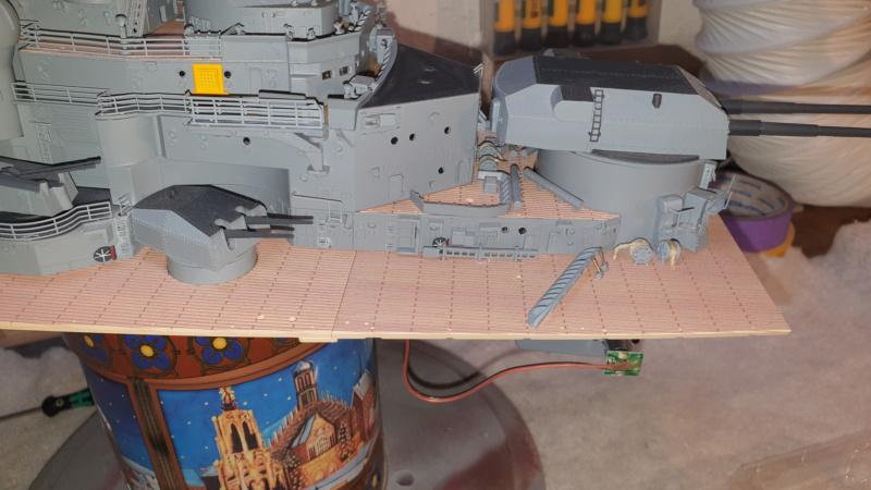 Multifunktions Modell von Hachette: Die Bismarck in 1/200  Baupha51