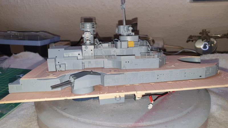 Multifunktions Modell von Hachette: Die Bismarck in 1/200  Baupha64