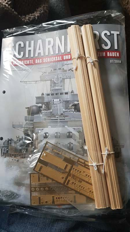Die Scharnhorst von Hachette in 1/200 mit Licht gebaut von Kai1404 Comp_i28