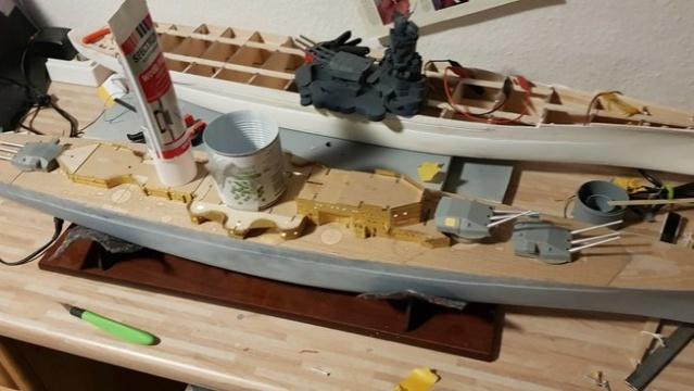 Die Scharnhorst von Hachette in 1/200 mit Licht gebaut von Kai1404 Comp_s23
