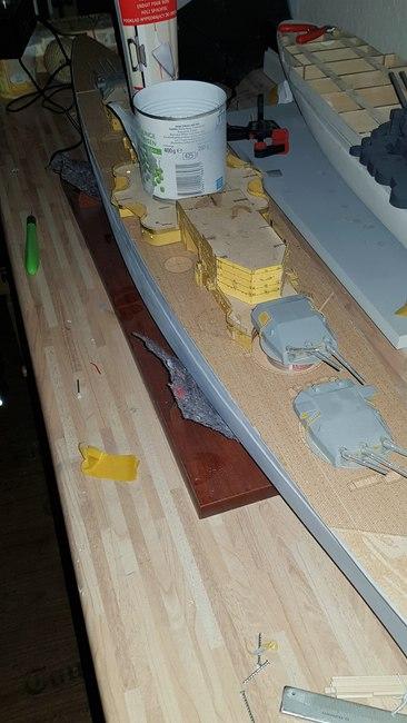 Die Scharnhorst von Hachette in 1/200 mit Licht gebaut von Kai1404 Comp_s28