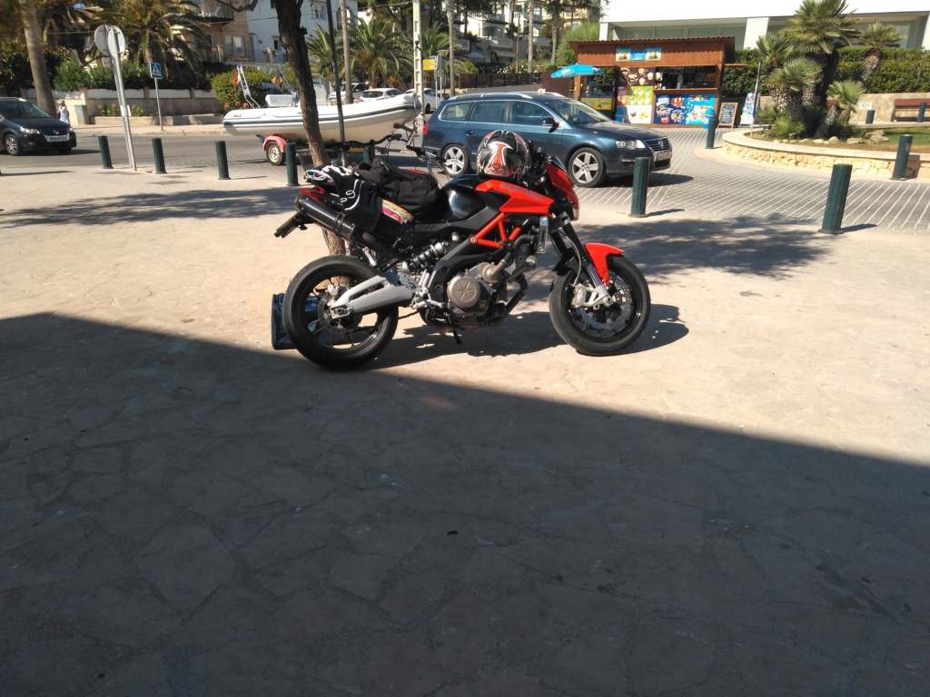 Vengo a presentar mi moto y os dejo una pregunta. :D Img_2010