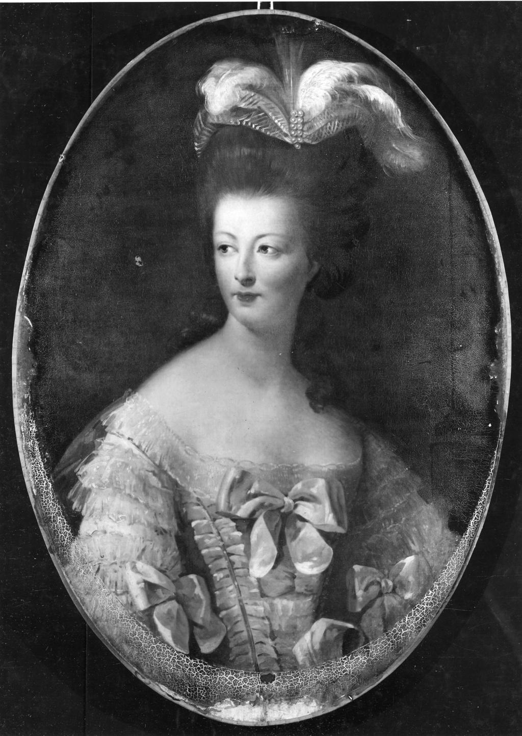 Marie-Antoinette en buste par et d'après Mme Vigée-Lebrun (1778) B1971410