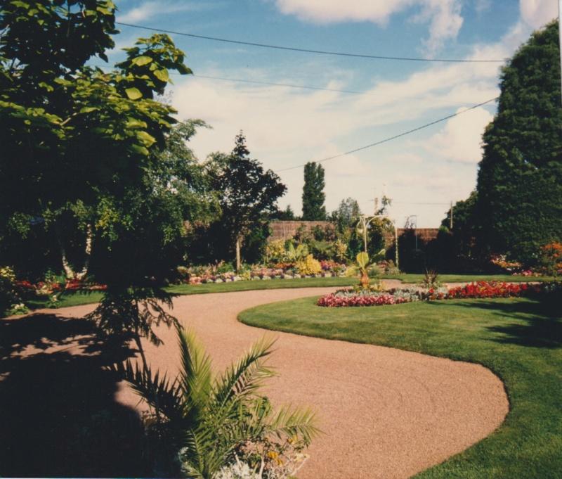 Visite d'un jardin extraordinaire et insolite de Michou et Marie-Jo Numzo152