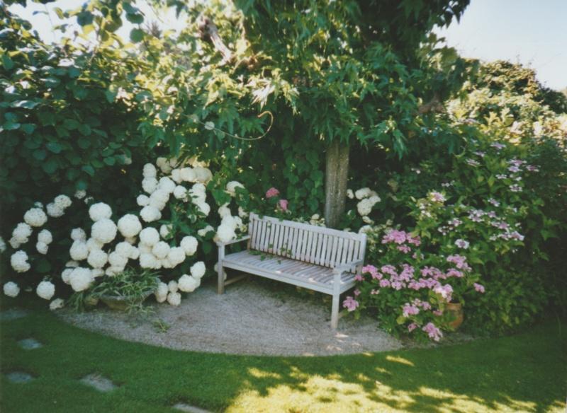 Le jardin c'est la santé, rien faire c'est la conserver  : hamacs et autres chaises longues  Numzor98