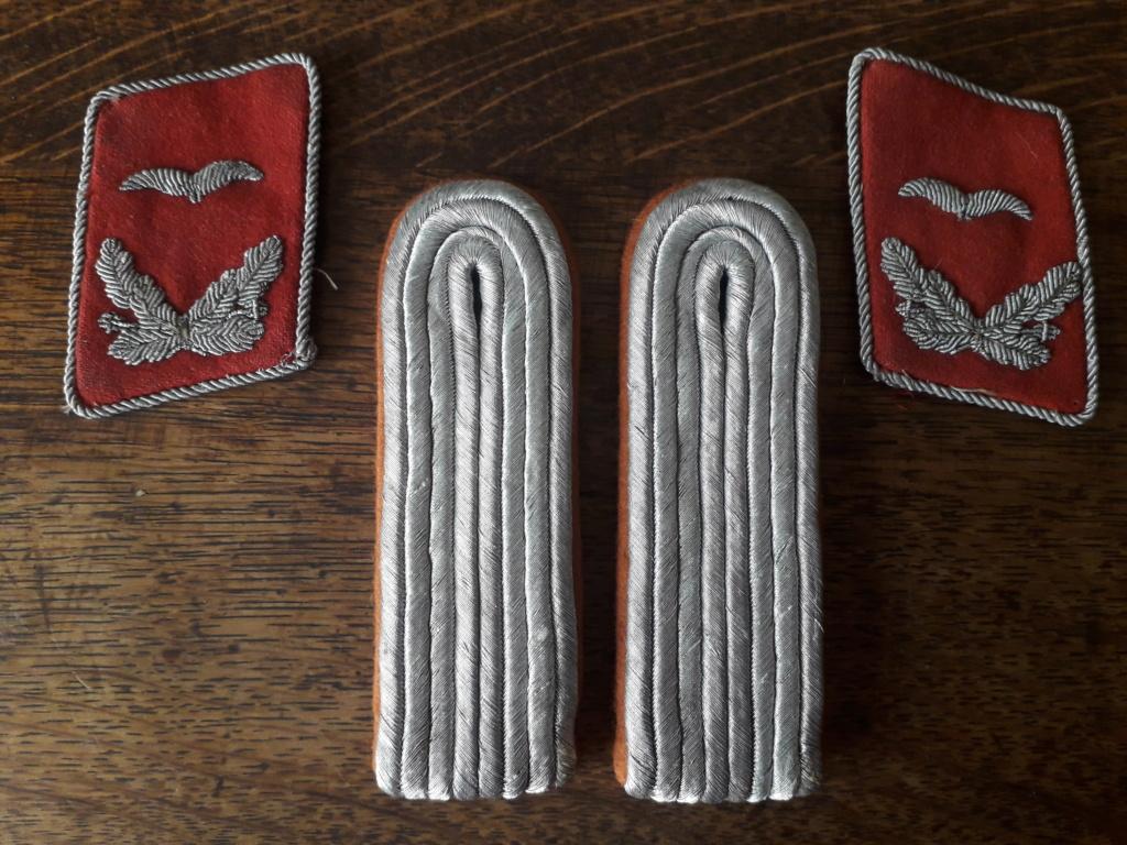 Épaulettes et pattes de col Luftwaffe transmissions ou Flak? 20210380