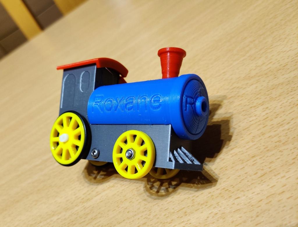 Loco « électrique » en 3D pour le train en bois BRIO - Page 4 16010