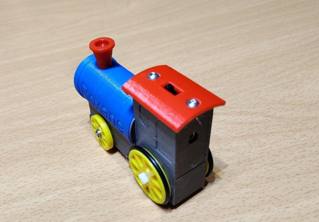 Loco « électrique » en 3D pour le train en bois BRIO - Page 4 18010