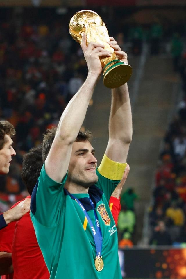 ¿Cuánto mide Iker Casillas? - Estatura real: 1,82 - Real height - Página 4 Casill10