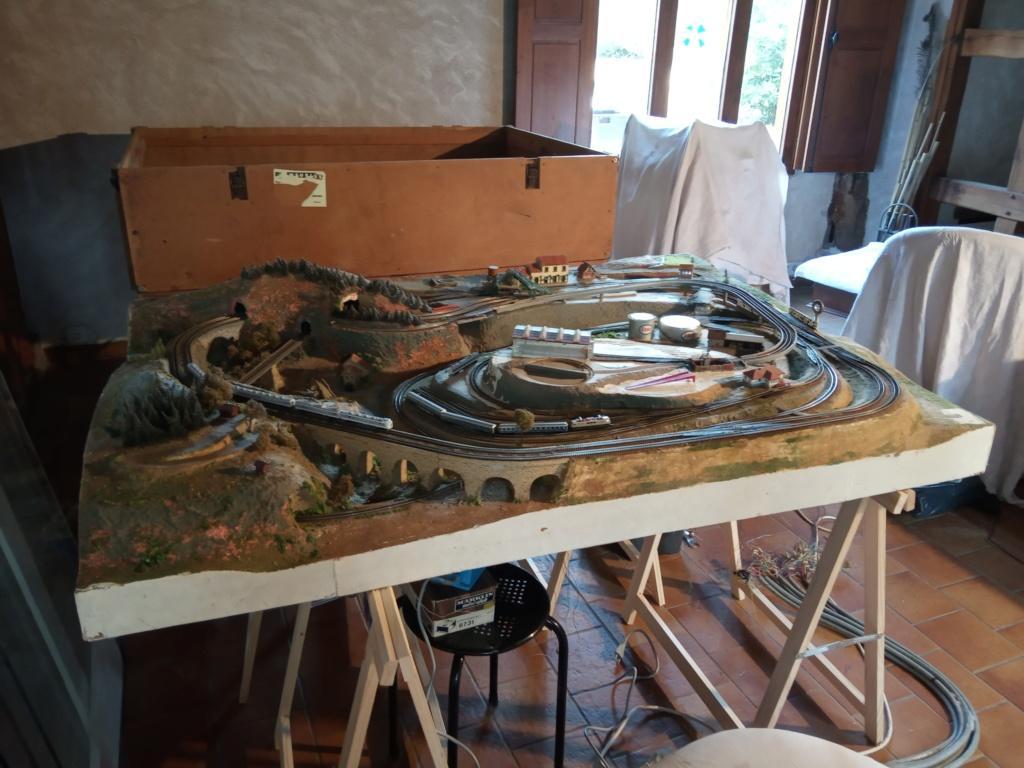 Bonjour à tous les amoureux des trains électriques, et bonjour à vos amis également. Img_2010