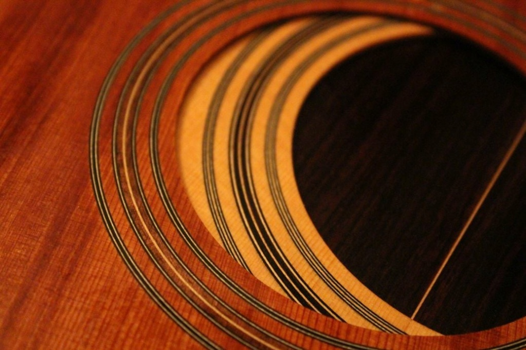 2021: 8 guitares pour la Red House - Page 2 12070812