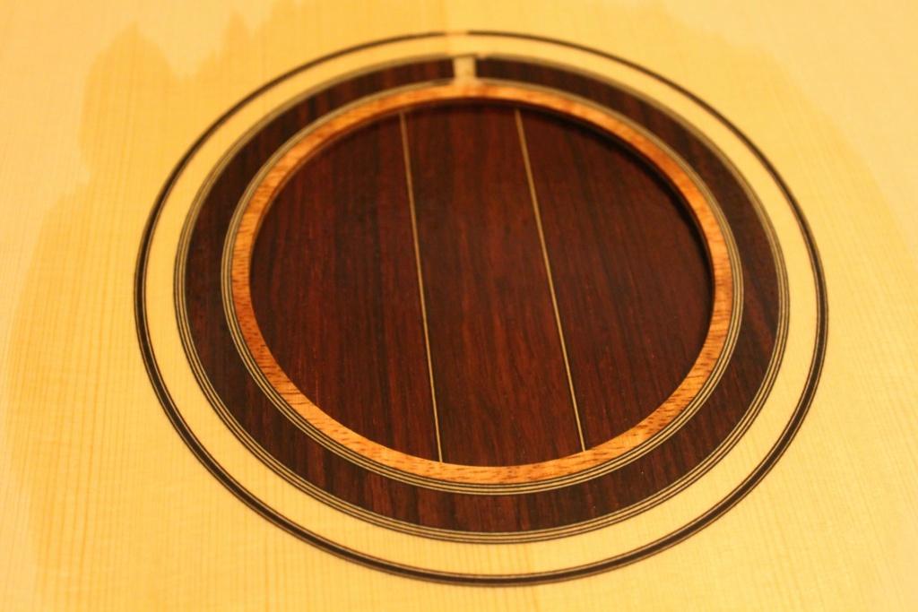 2021: 8 guitares pour la Red House - Page 2 12611610