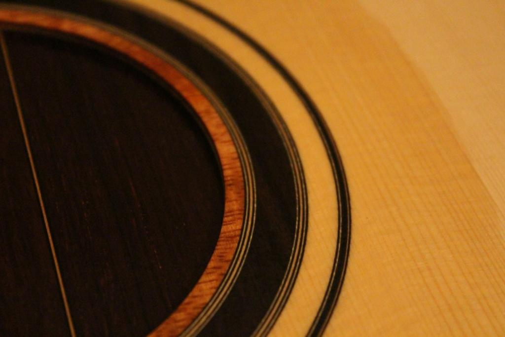 2021: 8 guitares pour la Red House - Page 2 12620110