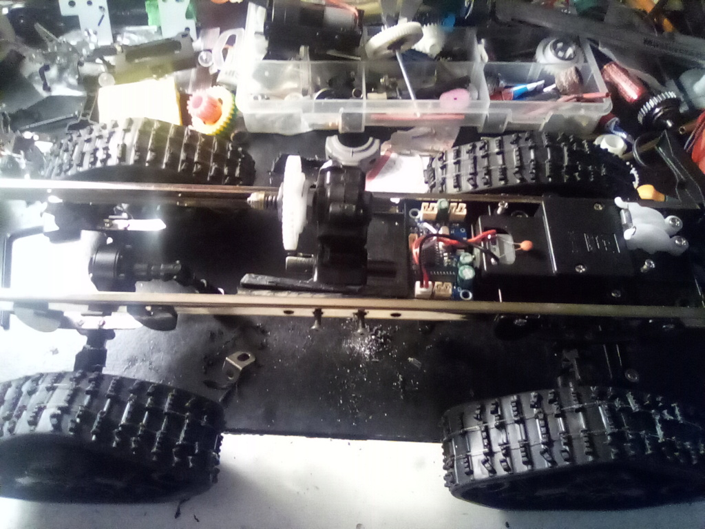 1\16 cox powered rc 4x4 traked truck new vidéo  16099410