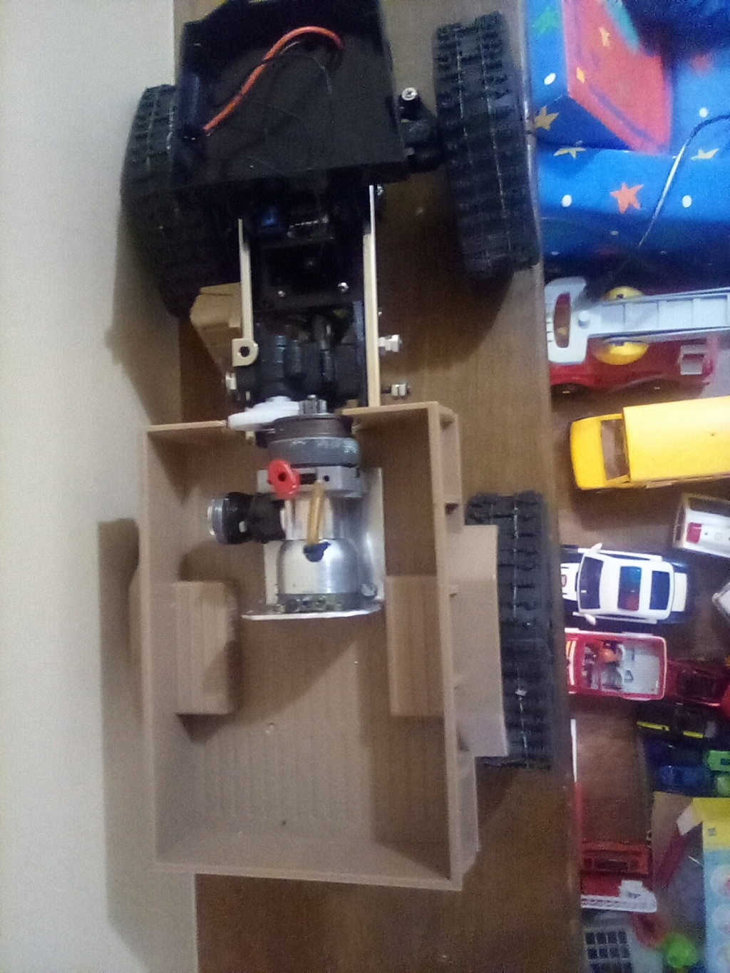 1\16 cox powered rc 4x4 traked truck  - Page 2 16101212