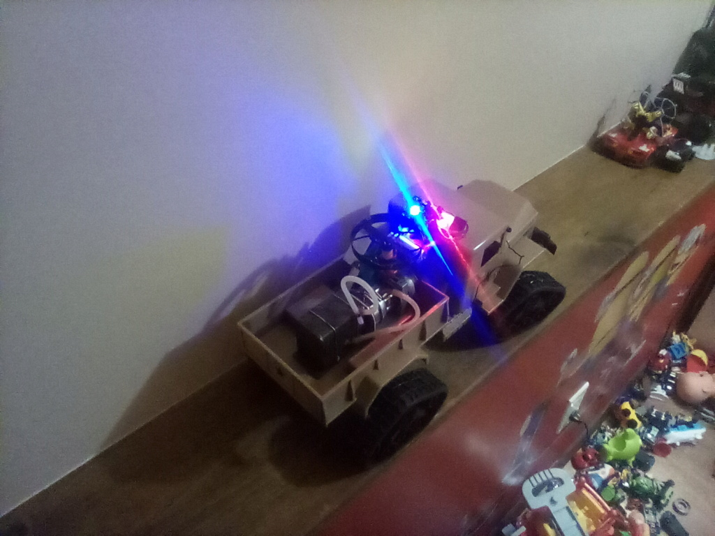 1\16 cox powered rc 4x4 traked truck new vidéo  - Page 3 16130913