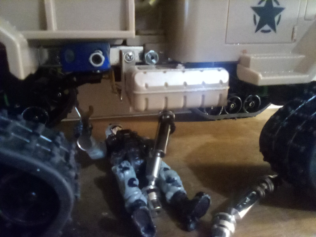 1\16 cox powered rc 4x4 traked truck new vidéo  - Page 3 16131411