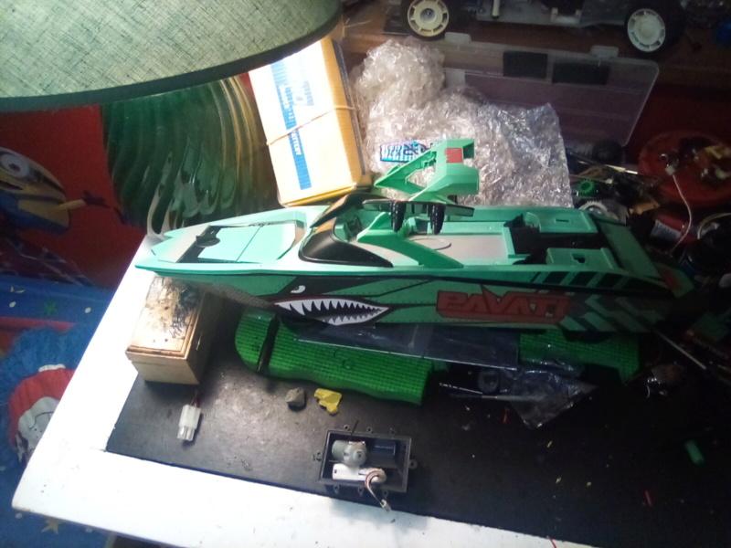 .049 cox powered rc boat Convert to nitro  16290811