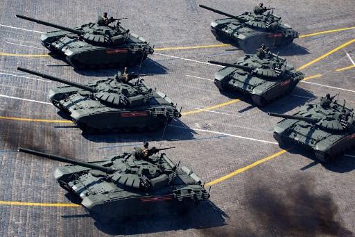"""القوات البرية الروسية للحصول على أكثر من 120 دبابة """"تي-72"""" مُحدّثة 000_1g10"""