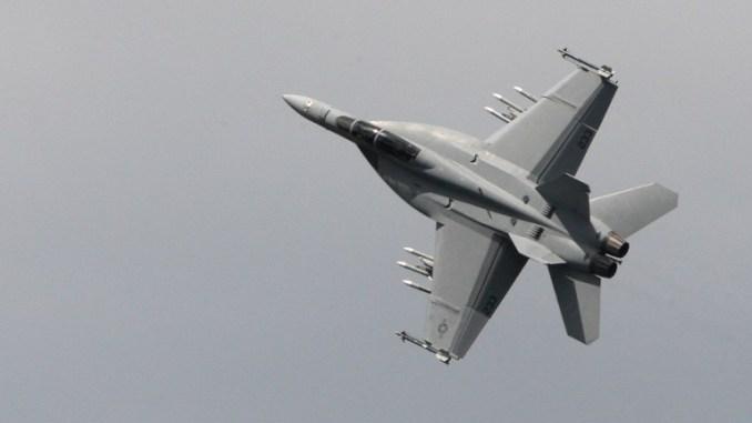 الدفاع الألمانية ترغب بشراء 45 مقاتلة أمريكية F-18 000_dv10
