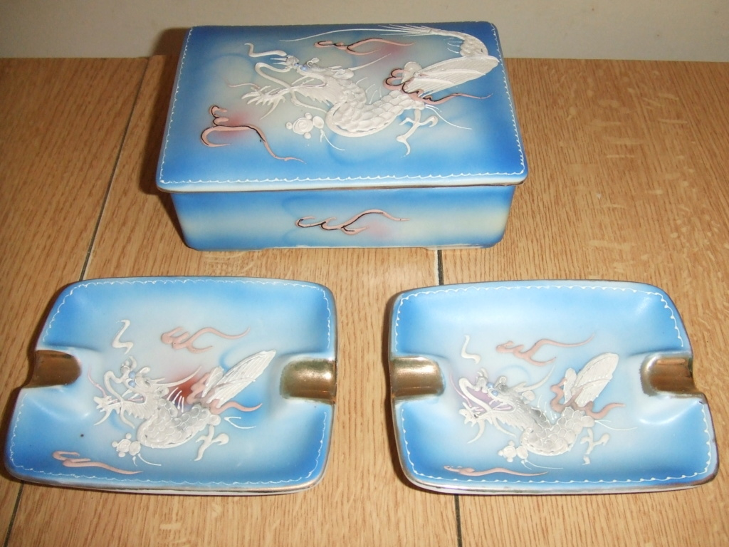 China ashtrays and cigarette box decorated with dragons; Japanese?  00110