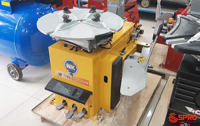 Toàn quốc - 0965 570 643 - Máy tháo vỏ xe tay ga và ô tô du lịch NK218E - Cung cấp thiết bị garage SPRO.VN J1110