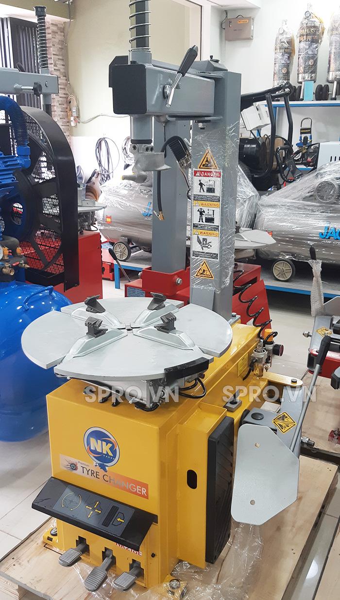 Toàn quốc - 0965 570 643 - Máy tháo vỏ xe tay ga và ô tô du lịch NK218E - Cung cấp thiết bị garage SPRO.VN Q113