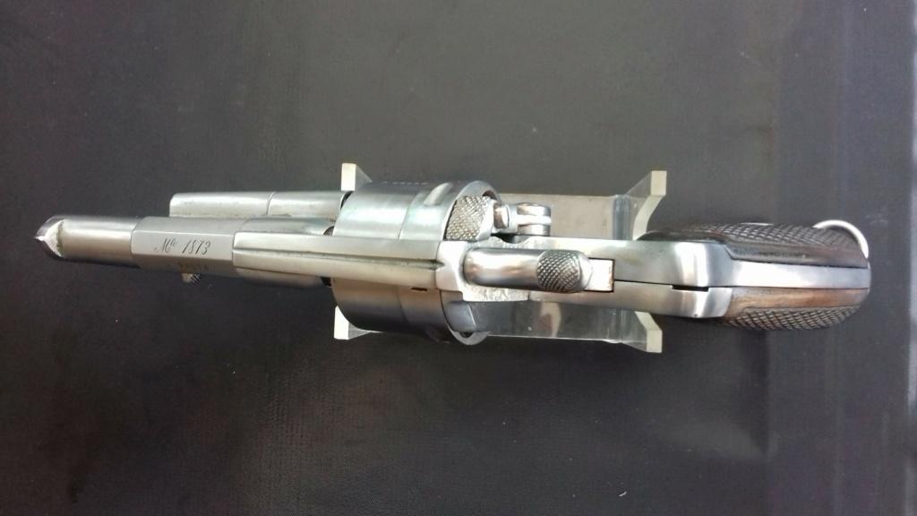 Présentation d'un revolver règlementaire Mle 1873 20180834