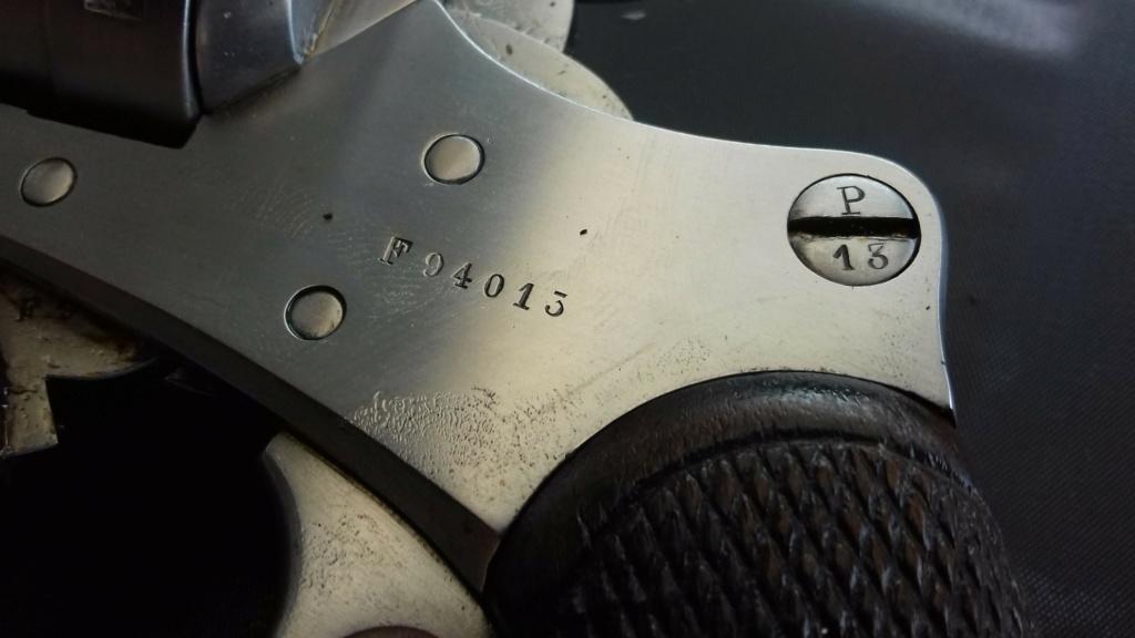 Présentation d'un revolver règlementaire Mle 1873 20180838