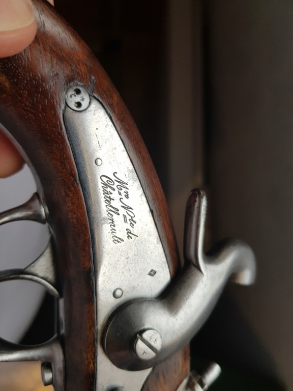 Présentation d'un pistolet de gendarmerie Mle 1842  20210524