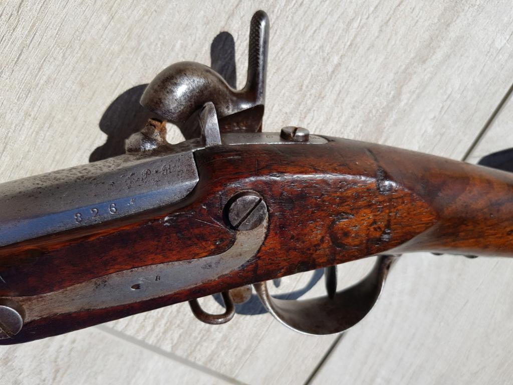 Présentation d'un fusil 1822 T bis 20210558