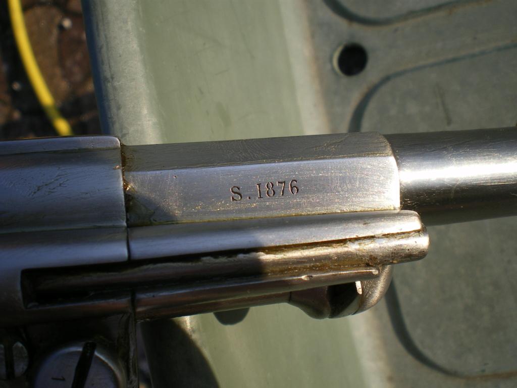Présentation d'un revolver règlementaire Mle 1873 Imgp0137