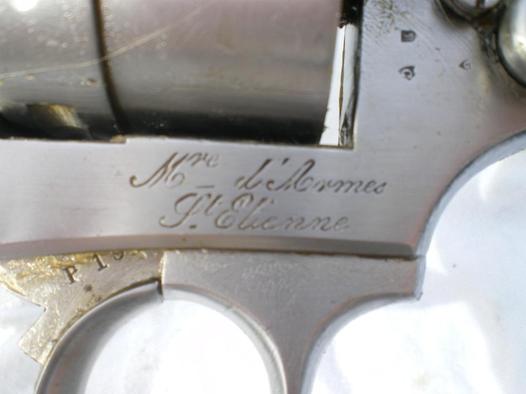 Présentation d'un revolver règlementaire Mle 1873 Imgp0141