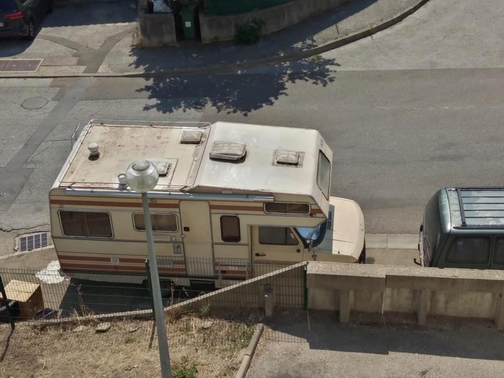 "[MK2] ""Ferocia"" Camping-car de Nîmes à rénover Img_2014"