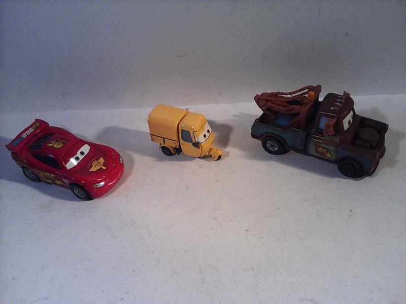 mes autres Cars 1 , 2 , 3 et Planes !!! toutes marques et matieres - Page 4 Img_2054