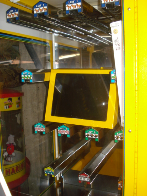 [For Sale] Arcades and prize machines from a mobile lunapark Dsc04212