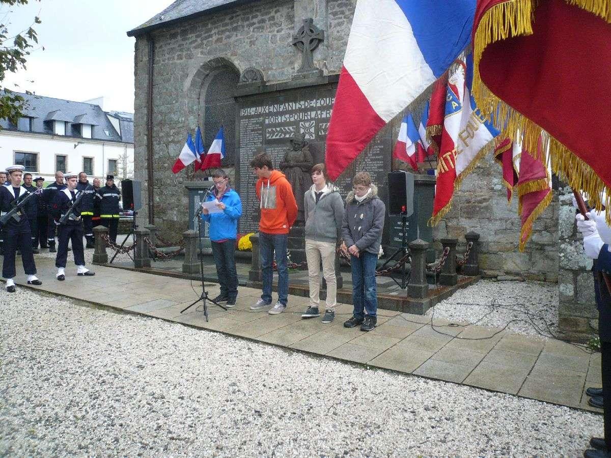 Cérémonie du 11 Novembre 2014 à Fouesnant les Glénan avec la Marine Nationale 1510