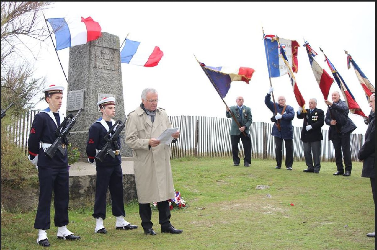 Cérémonie du 11 Novembre 2014 à Fouesnant les Glénan avec la Marine Nationale 410