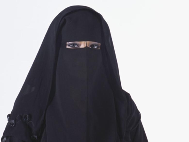 Les ex-musulmans seraient-ils... - Page 3 Niqab_10